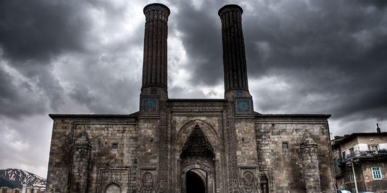 �ifte minareli medrese