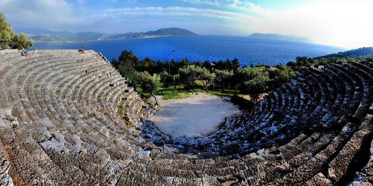 ka� antik tiyatrosu