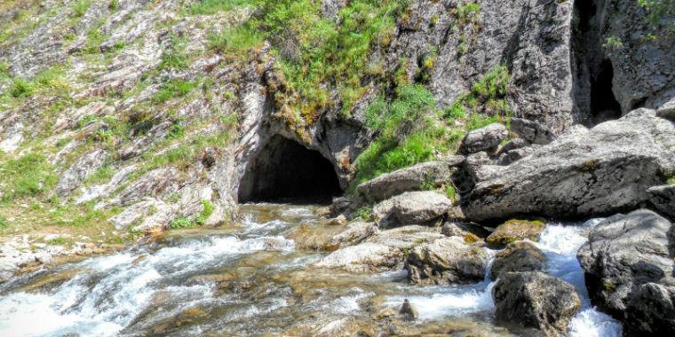pınargözü mağarası