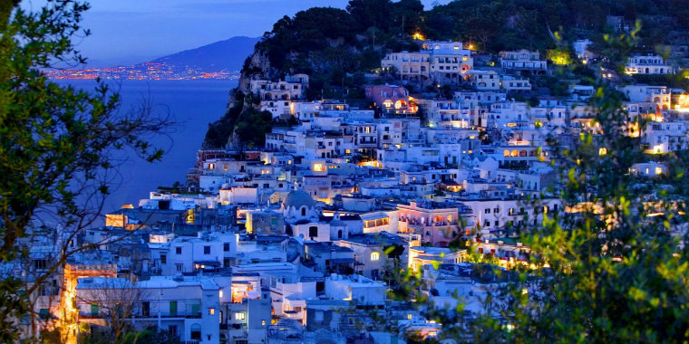 Capri Adas�