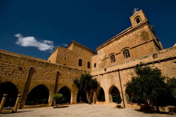 deyrulzeferan manastiri