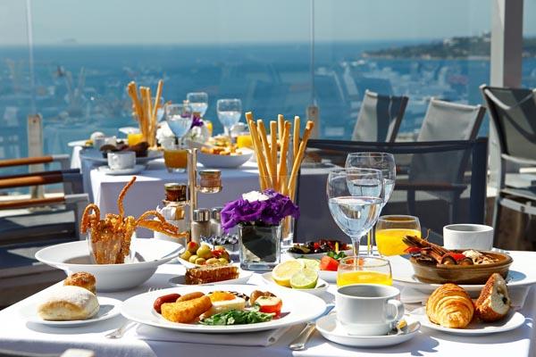 Conrad İstanbul Summit Terrace Brunch